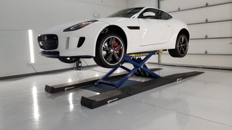 jaguar f-type s on bendpak lift
